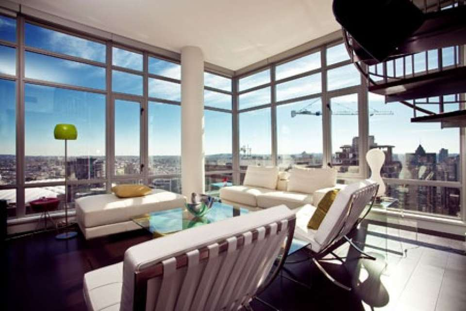 L'Hermitage Building, Penthouse with Views